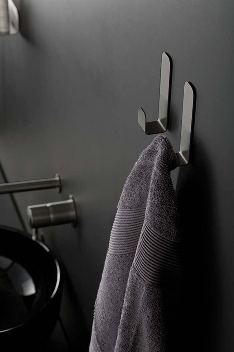 Robe towel hooks black chrome bathroom accessories - Black and chrome bathroom accessories ...