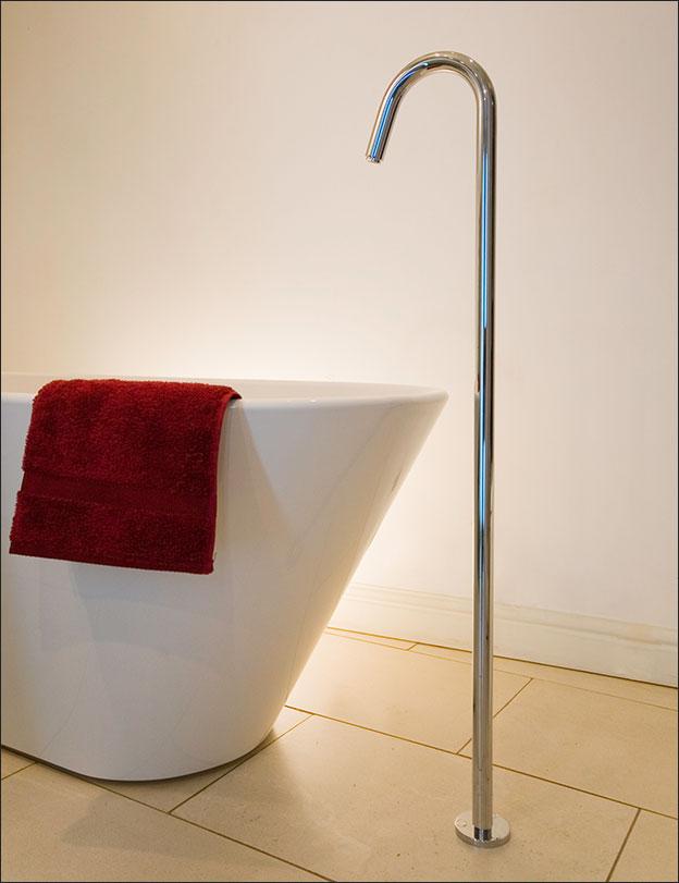 Fresh Freestanding Bath Filler Spout Livinghouse