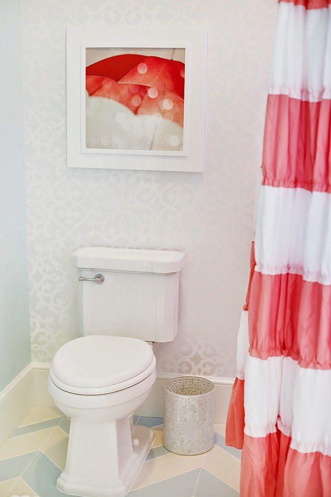 bathroom-stripe-chevron