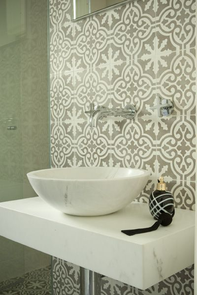 Get creative with victorian geometric tiles livinghouse blog for Patterned bathroom wall tiles