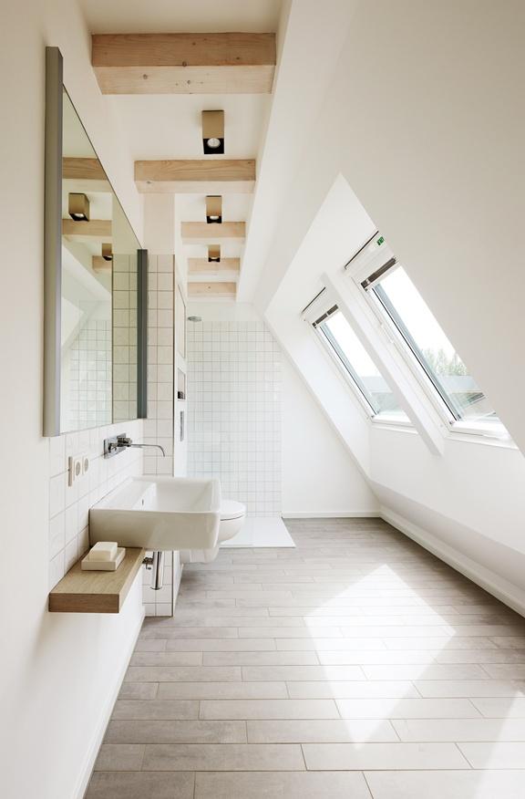 shower-under-eaves