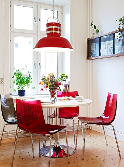 red-plastic-chairs