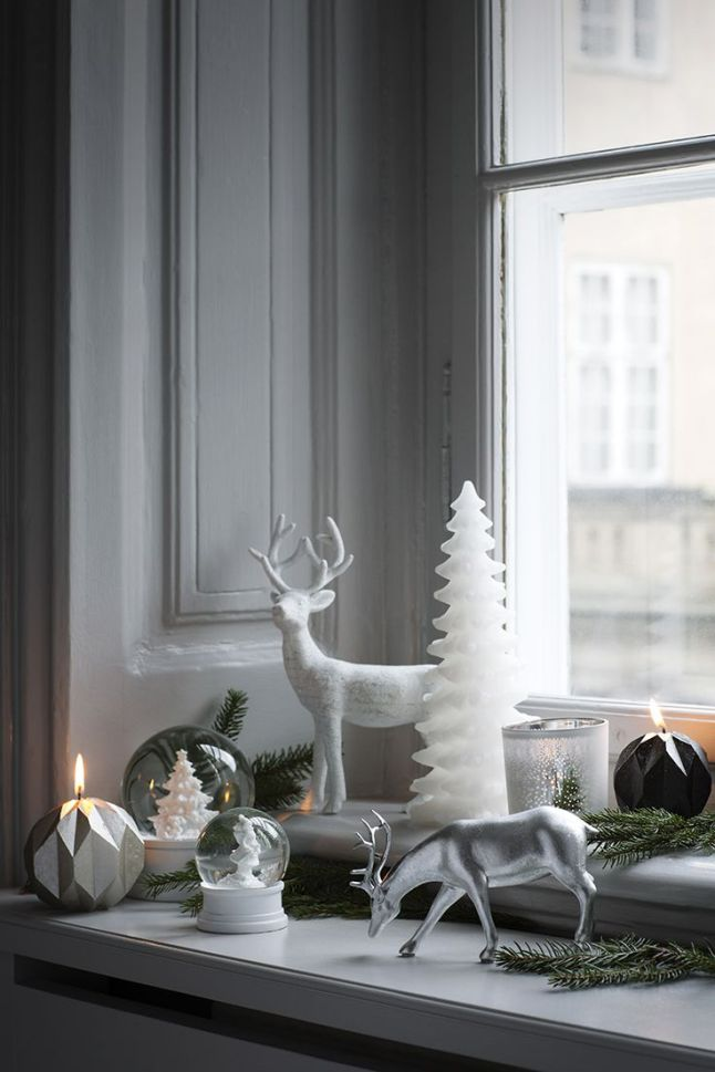 xmas-window-sill