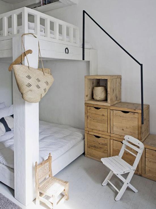 small-mezzanine-bedroom
